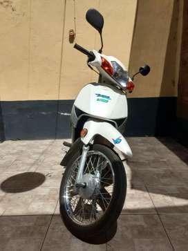 Motomel v8 110 nueva, cuenta con garantía