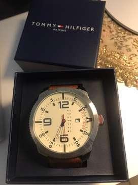 Reloj marca Tommy H