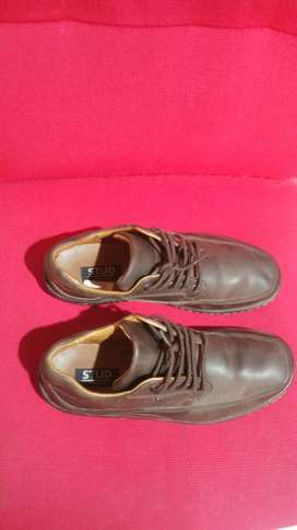 Zapatos de Cuero Cocido