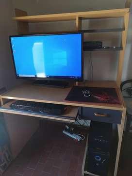 TV LED, CPU Y ESCRITORIO