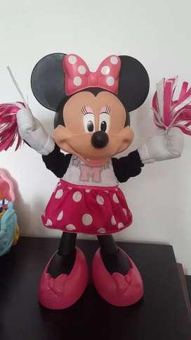 Minnie porrista