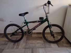 Bicicleta freestyle rod: 20