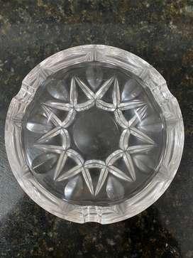 Cenicero de cristal redondo