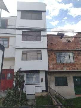Se vende casa en Sierra Morena de cinco pisos