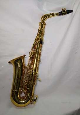 Saxofón Alto marca Conductor