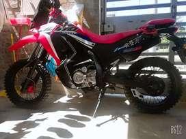 Moto Ssenda duro 250