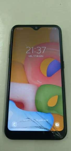 Vendo o permuto Samsung A01 a wifi y datos movistar cn detalle en la pantalla androi 11 actualizado