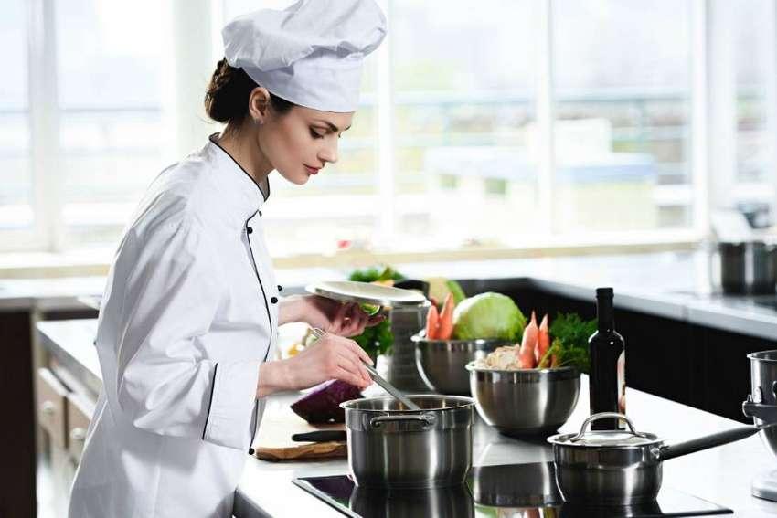 Se requiere cocinero/a con experiencia 0