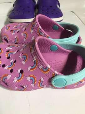 Zapatillas crocs para niña