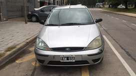 Ford focus ambiente 2006 FINANCIADO