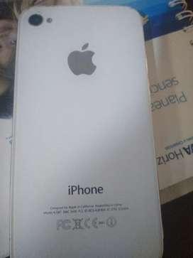 Vendo iPhone 4 s con auriculares y cargador libre de cuenta disponibles para cualquier Sim interesados escribir