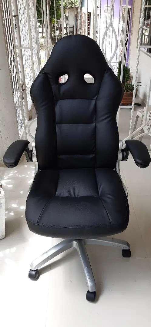 Tapizamos su sillas de oficina 0