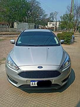 Ford Focus 1.6 5P excelente estado