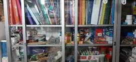 articulos para papeleria y bazar incluye vitrinas computadora impresoras y varios productos