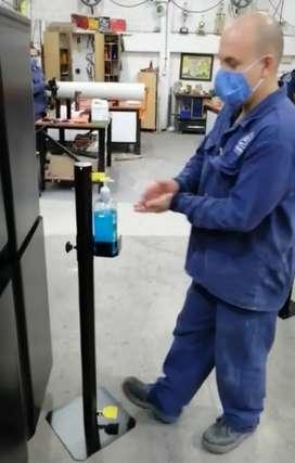 Pedestal para suministro automático de desinfectante