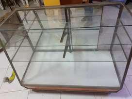 Se vende 2 vitrinas en buen estado