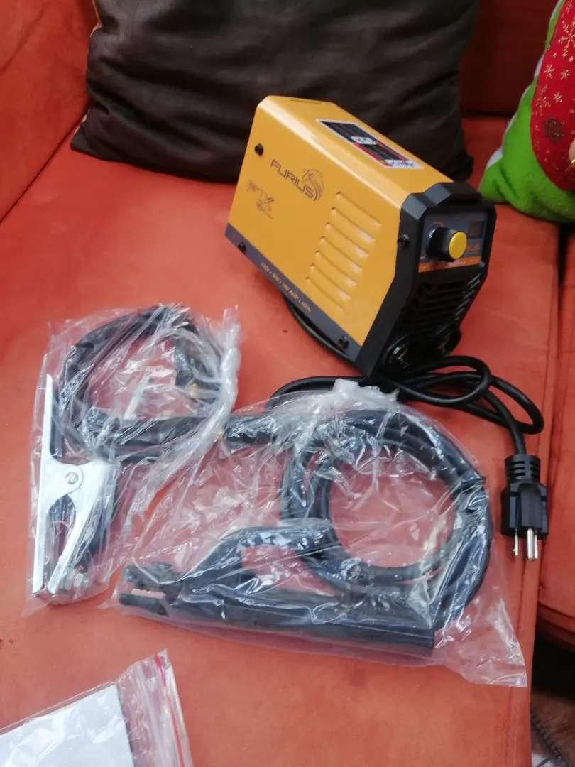 Vendo equipo de soldadura marca furius 160 amp 0