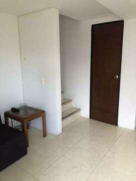 Se arrenda casa en el barrio palonegro. 3 habitaciones. 2 baños. Sala - comedor. Garage. Patio  Gas natural
