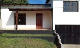 Se vende casa sobre Avenida Güemes