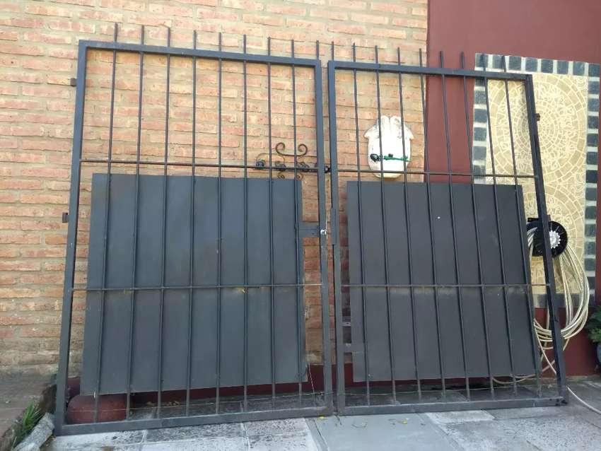 Vendo portón hierro 0