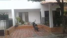 Casa en urbanización Manolo lemus