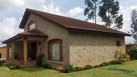 Hermosa propiedad en venta con casa de lujo y amplio terreno o area verde, excelentes acabados  en rio amarillo sayausi