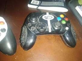 Dos Controles Xbox clásico