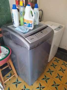 Vendo lavadora para reparar o repuestos