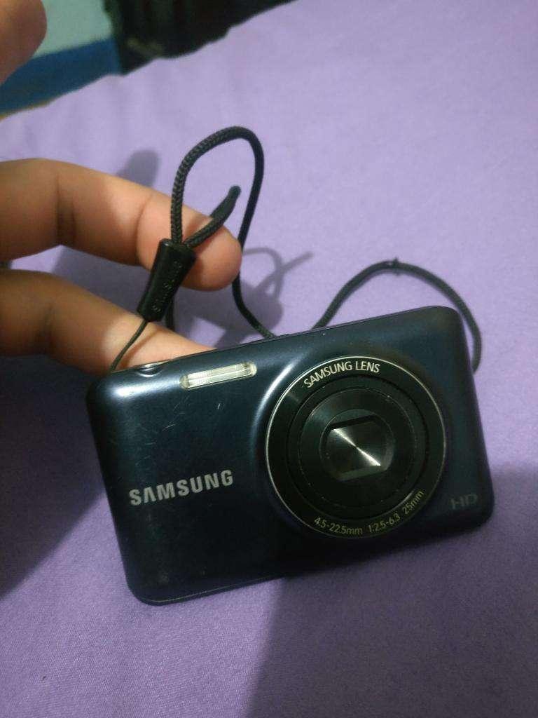 Cámara Digital Samsung St71t 16.1mpx 0