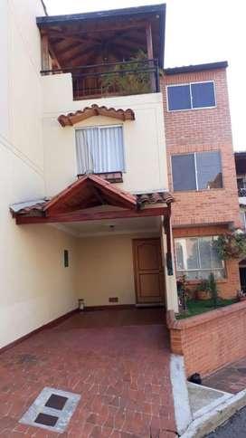 Vendo Casa Tres Niveles Lagos Cacique