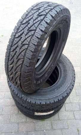 Llantas Bridgestone 215/80r15