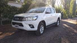 Vendo Toyota Hilux SRV como nueva