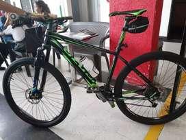 Se vende cicla una Venzo atix suspensión de aire en perfecto estado