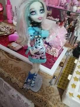 Muñeca monster high. NO BROMISTAS