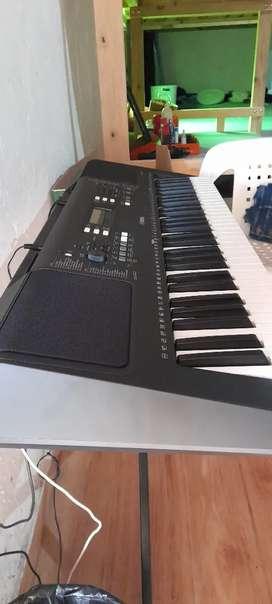 Vendo teclado psr E373
