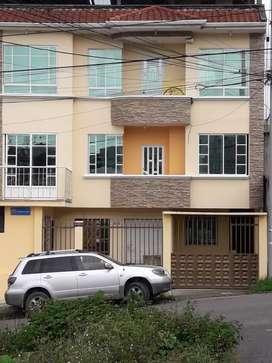 Se alquila hermoso departamento en la calle Quijos y Paraguay precio 250