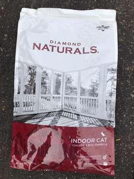 Diamond indoor Cat 18 lb
