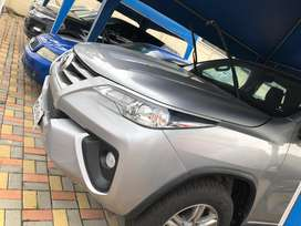 TOYOTA NEW FORTUNER 2019 PLATEADO