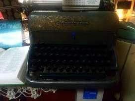 Vendo o Cambio Maquinan de escribir antigua