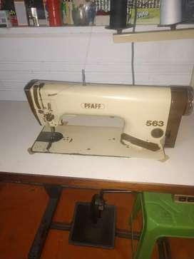 Vendo maquina PFAFF y mesa metálica desarmable
