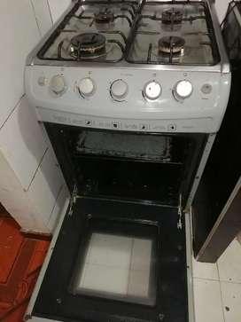 Se vende estufa con horno haceb