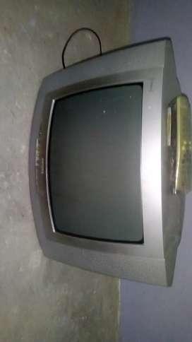 Vendo tele de 14 pulgadas con control remoto original Philips