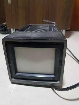 televisor portátil  color clásico sharp