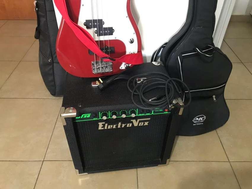 Bajo+amplificador+funda 0