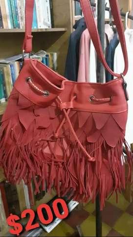 Vendo bolso de flecos