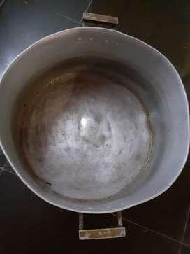 Vendo olla industrial 40 litros sin la tapa en las fotos están las medidas