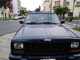 Vendo Jeep Cheroke Limited Clasic 4x4 automatica aire acondicionado, full electrico, todo en regla