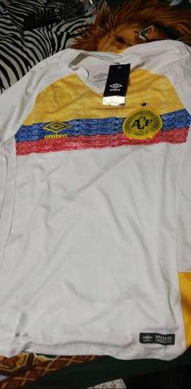 CCamiseta chapecoense homenaje a Colombia 2018