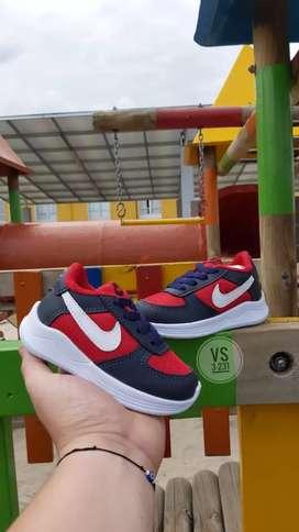 Calzado Nike Niños, tallas del 21 al 33.