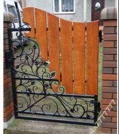puerta lujosa en madera